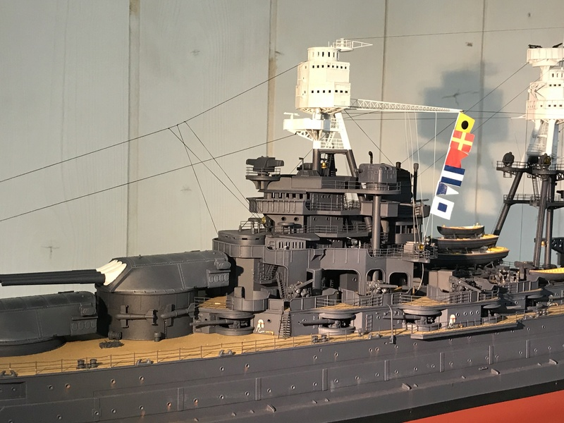 USS ARIZONA 1/200 TRUMPETER - Page 6 Fullsi19