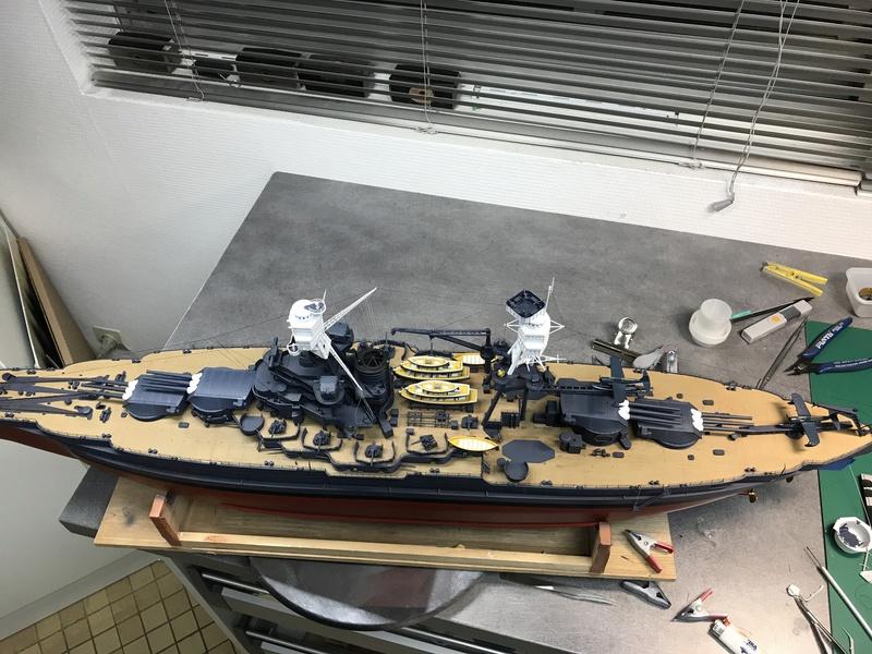 USS ARIZONA 1/200 TRUMPETER - Page 6 Y7qekk10