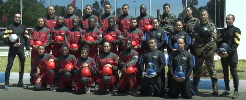 Parachutistes Militaires Marocains / Moroccan Paratroopers - Page 13 Sans_128