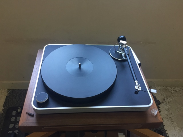 Clearaudio concept turntable C8b53910