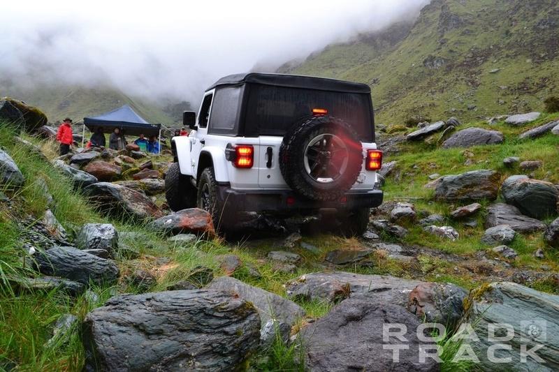 Galleria foto JL: iniziamo a conoscere meglio la Wrangler che verrà... Jeep-w14