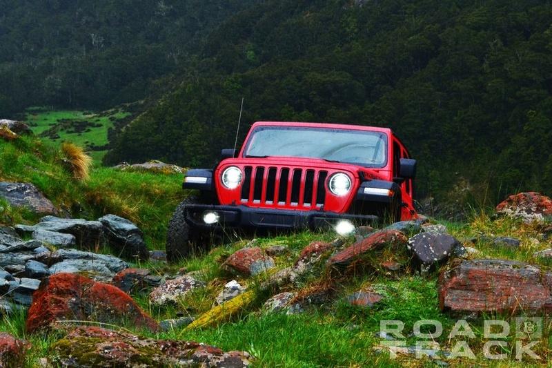 Galleria foto JL: iniziamo a conoscere meglio la Wrangler che verrà... Jeep-w18