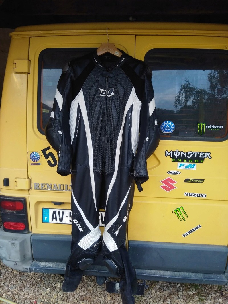 combi piste all one taille 60 ou 2xl  300euro Img_2037