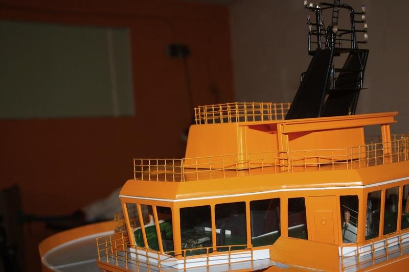 Bau eines X-Bow Schiffes in 1:50 Decka210