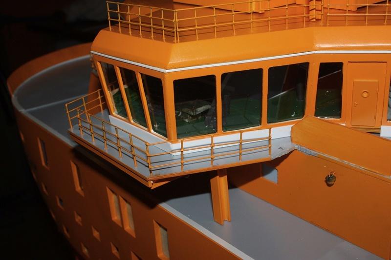 Bau eines X-Bow Schiffes in 1:50 Decka310