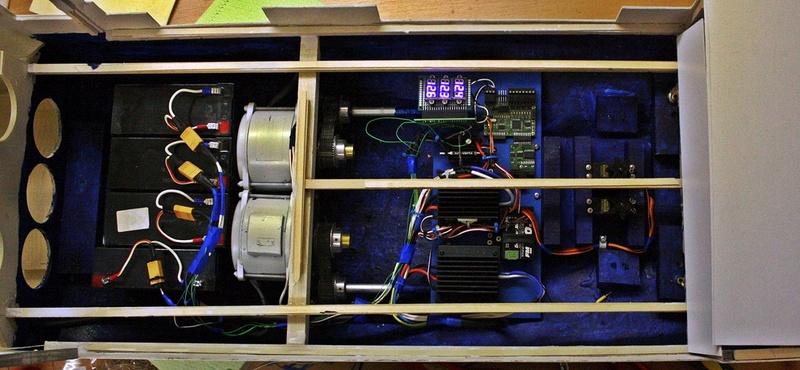 Bau eines X-Bow Schiffes in 1:50 Elektr12