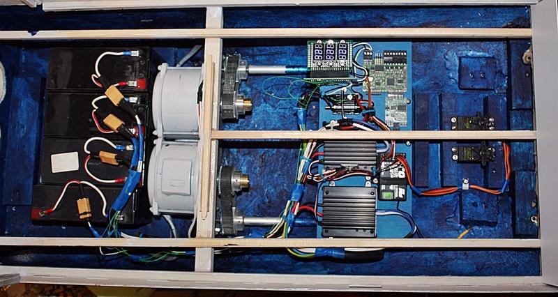 Bau eines X-Bow Schiffes in 1:50 Elektr13