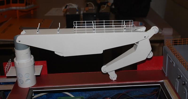 Bau eines X-Bow Schiffes in 1:50 Kran1210