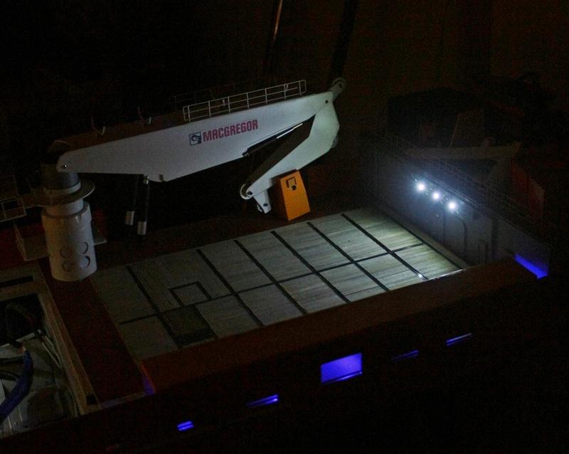 Bau eines X-Bow Schiffes in 1:50 Li611