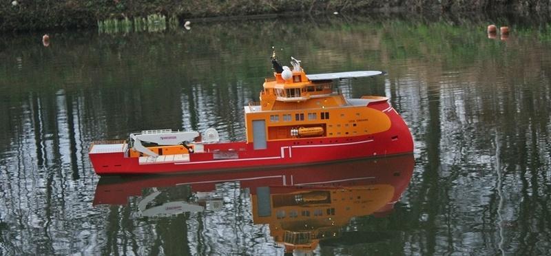 Bau eines X-Bow Schiffes in 1:50 Orga110