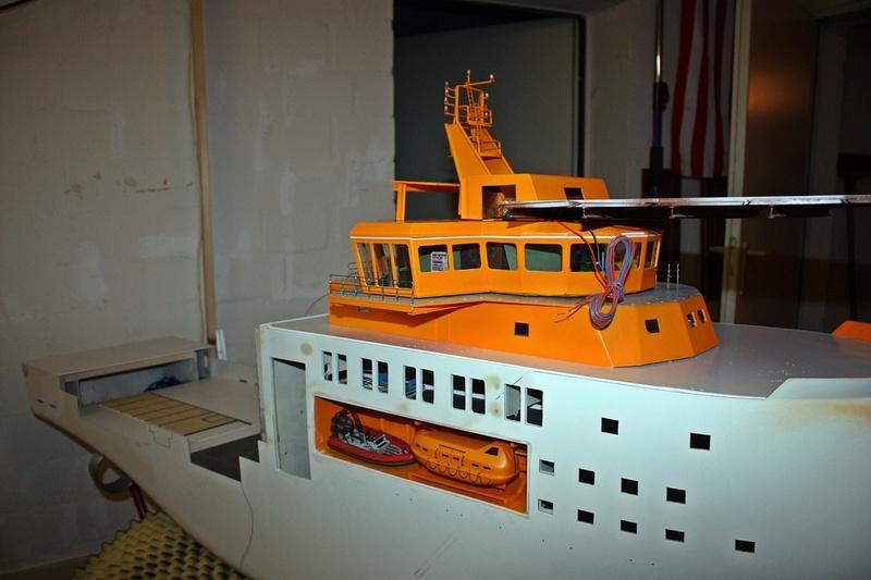 Bau eines X-Bow Schiffes in 1:50 Zz7511