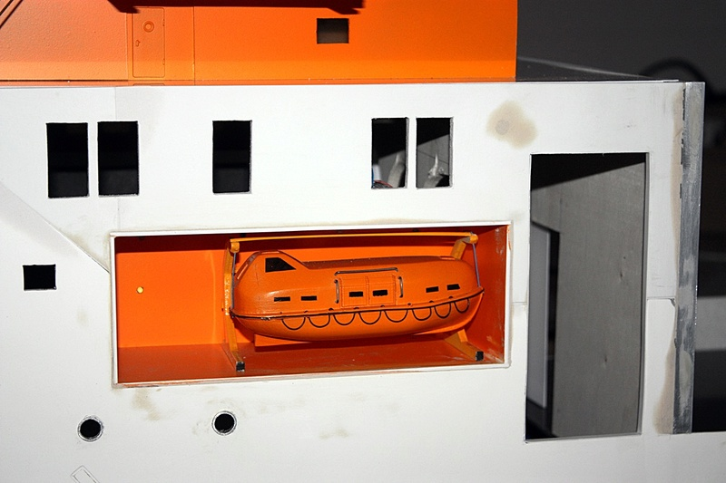Bau eines X-Bow Schiffes in 1:50 Zz7611