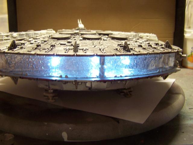Meine Schrottmühle...Restauration eines Modells des Milenium Falcon vom AMT-Ertl 100_3572