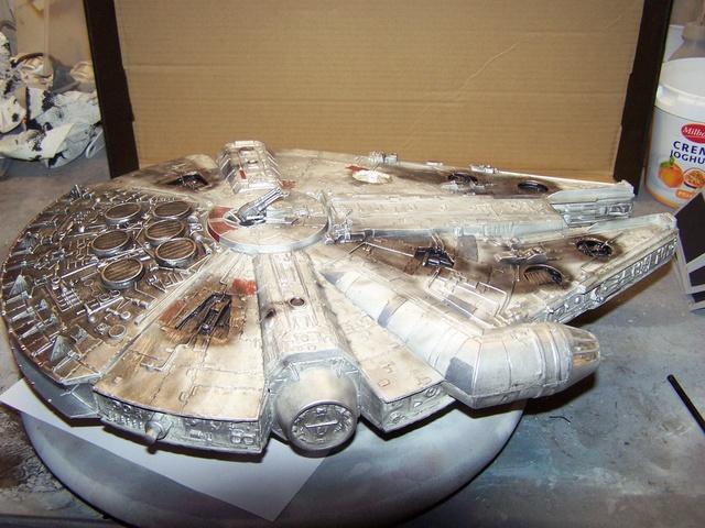 Meine Schrottmühle...Restauration eines Modells des Milenium Falcon vom AMT-Ertl 100_3575