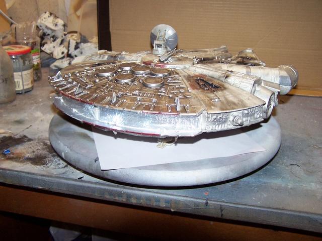 Meine Schrottmühle...Restauration eines Modells des Milenium Falcon vom AMT-Ertl 100_3577