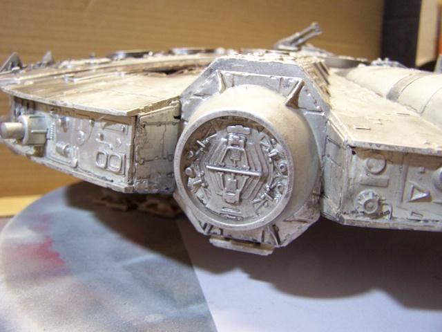 Meine Schrottmühle...Restauration eines Modells des Milenium Falcon vom AMT-Ertl 100_3617
