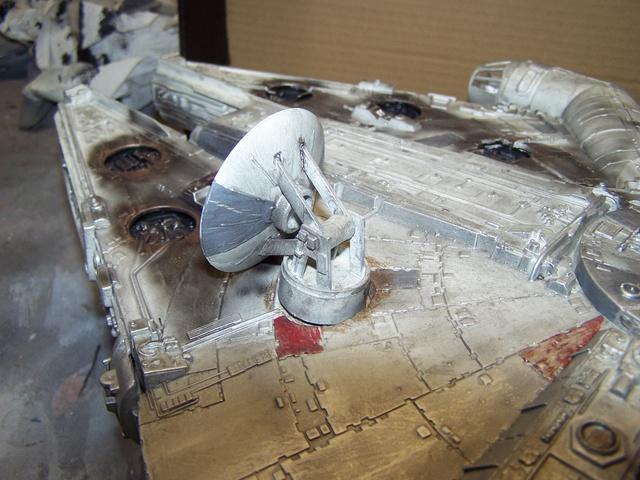 Meine Schrottmühle...Restauration eines Modells des Milenium Falcon vom AMT-Ertl 100_3623
