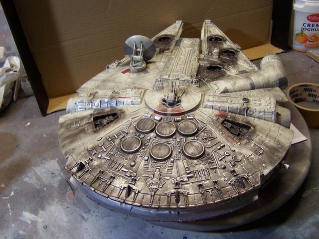 Meine Schrottmühle...Restauration eines Modells des Milenium Falcon vom AMT-Ertl 100_3624