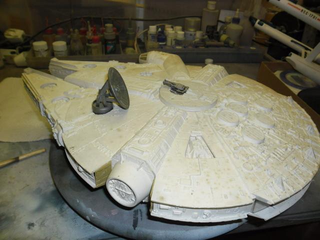 Meine Schrottmühle...Restauration eines Modells des Milenium Falcon vom AMT-Ertl 115