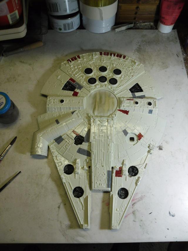 Meine Schrottmühle...Restauration eines Modells des Milenium Falcon vom AMT-Ertl 1811