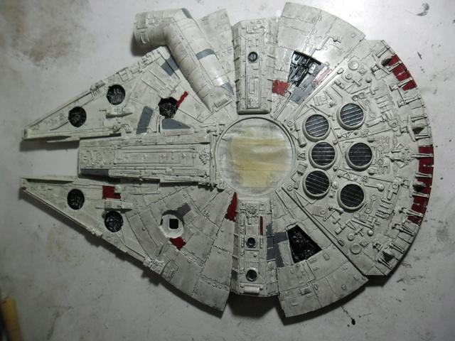 Meine Schrottmühle...Restauration eines Modells des Milenium Falcon vom AMT-Ertl 18b10