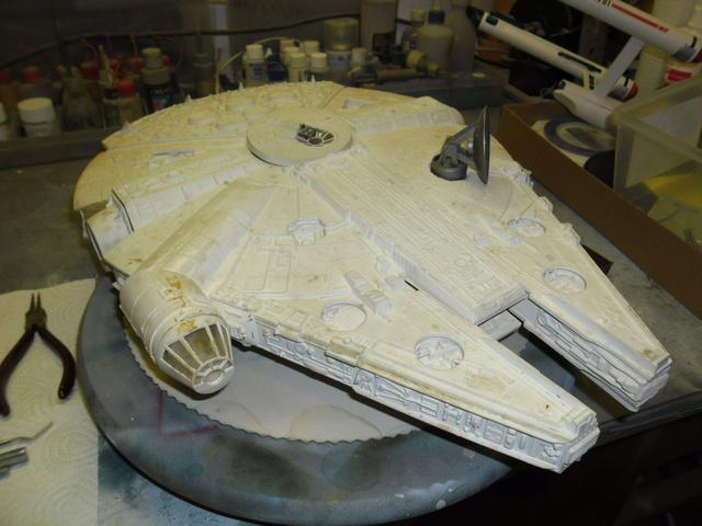 Meine Schrottmühle...Restauration eines Modells des Milenium Falcon vom AMT-Ertl 1a10