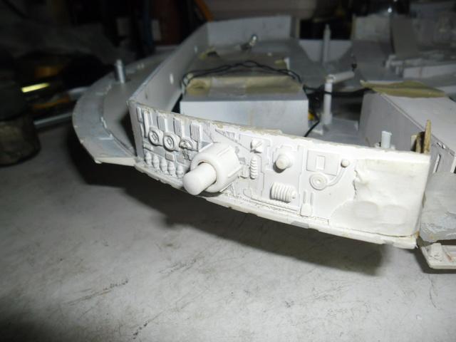 Meine Schrottmühle...Restauration eines Modells des Milenium Falcon vom AMT-Ertl 9b10