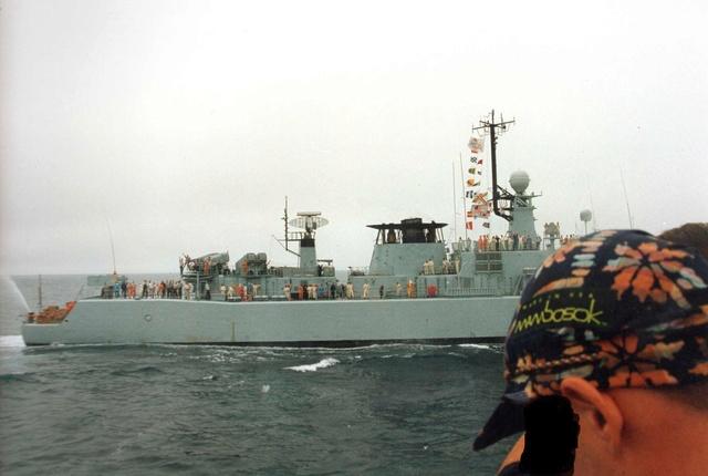Zum Raketenschießen zu den Bahamas. Zerstörer Lütjens. Img34610