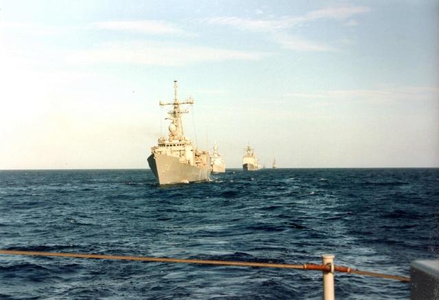 Zum Raketenschießen zu den Bahamas. Zerstörer Lütjens. Img36010