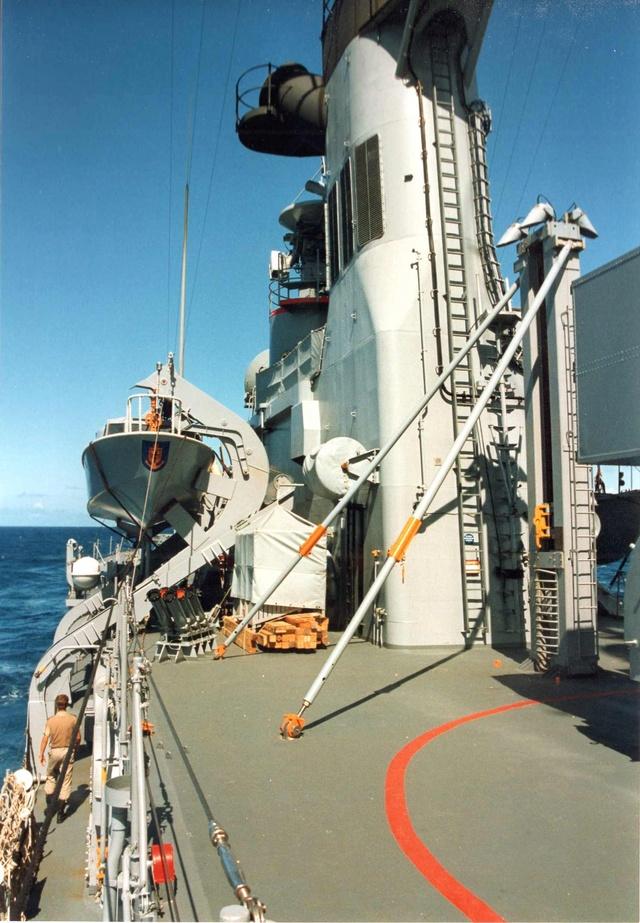 Zum Raketenschießen zu den Bahamas. Zerstörer Lütjens. Img36812