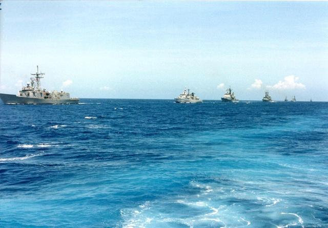 Zum Raketenschießen zu den Bahamas. Zerstörer Lütjens. Img37012