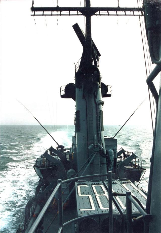Zum Raketenschießen zu den Bahamas. Zerstörer Lütjens. Img37112