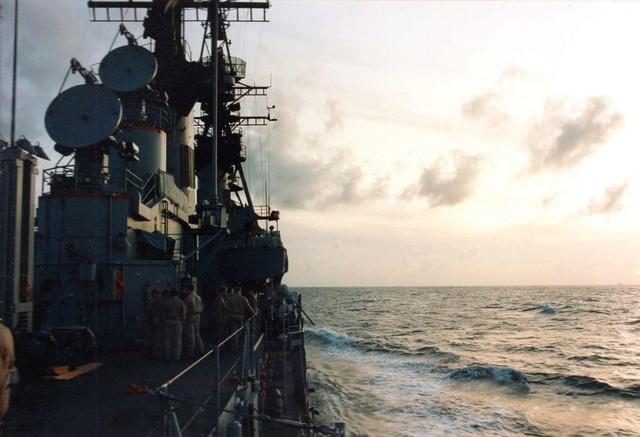 Zum Raketenschießen zu den Bahamas. Zerstörer Lütjens. Img38011