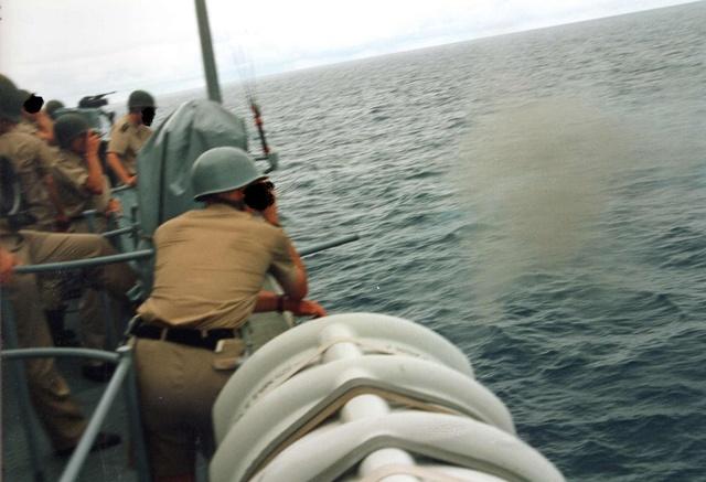 Zum Raketenschießen zu den Bahamas. Zerstörer Lütjens. Img38111