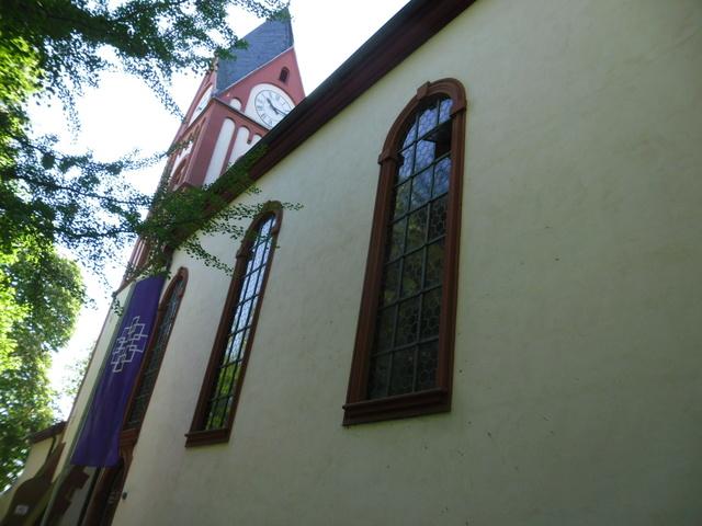 Die evangelische Bergkirche in Osthofen. Sam_8617