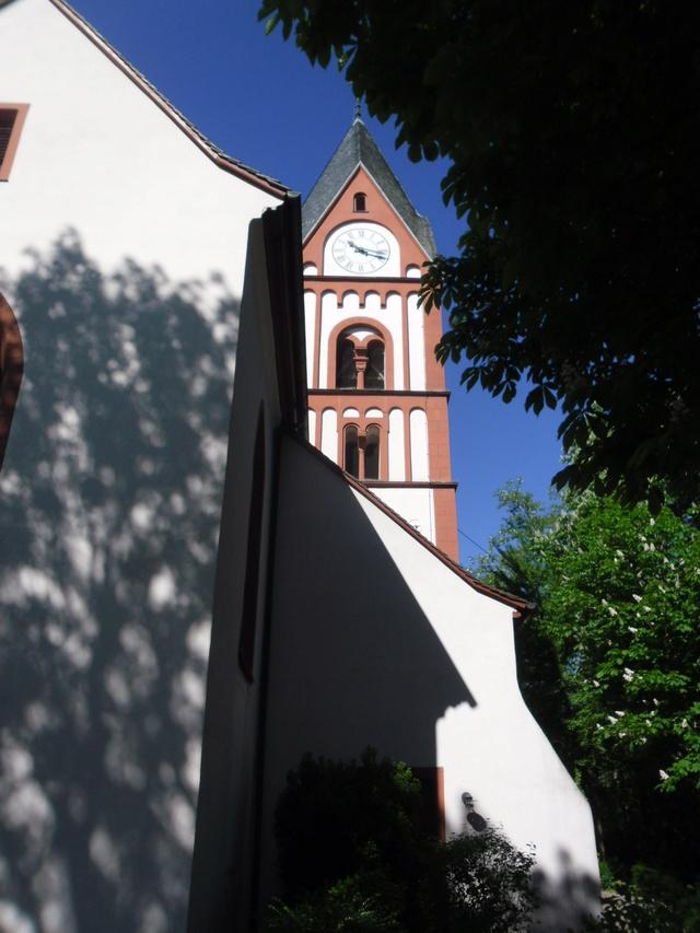 Die evangelische Bergkirche in Osthofen. Sam_8620