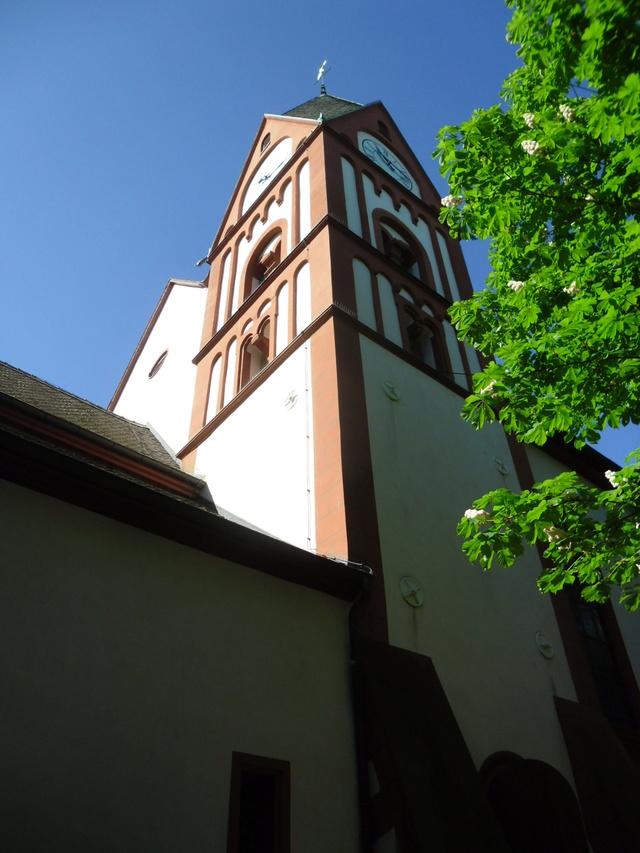 Die evangelische Bergkirche in Osthofen. Sam_8621