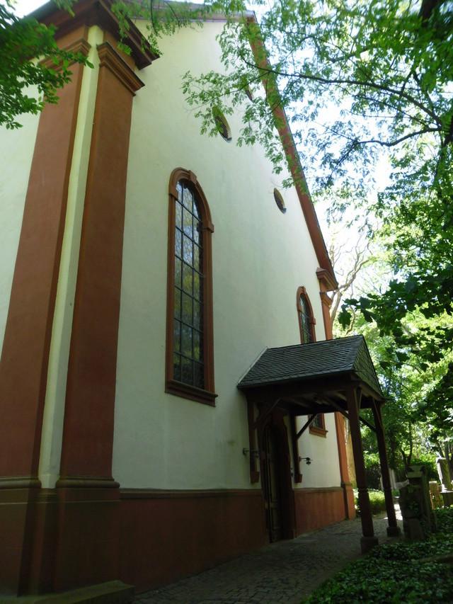 Die evangelische Bergkirche in Osthofen. Sam_8624