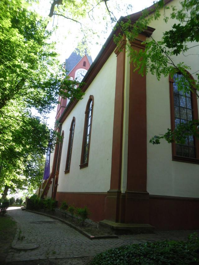 Die evangelische Bergkirche in Osthofen. Sam_8625