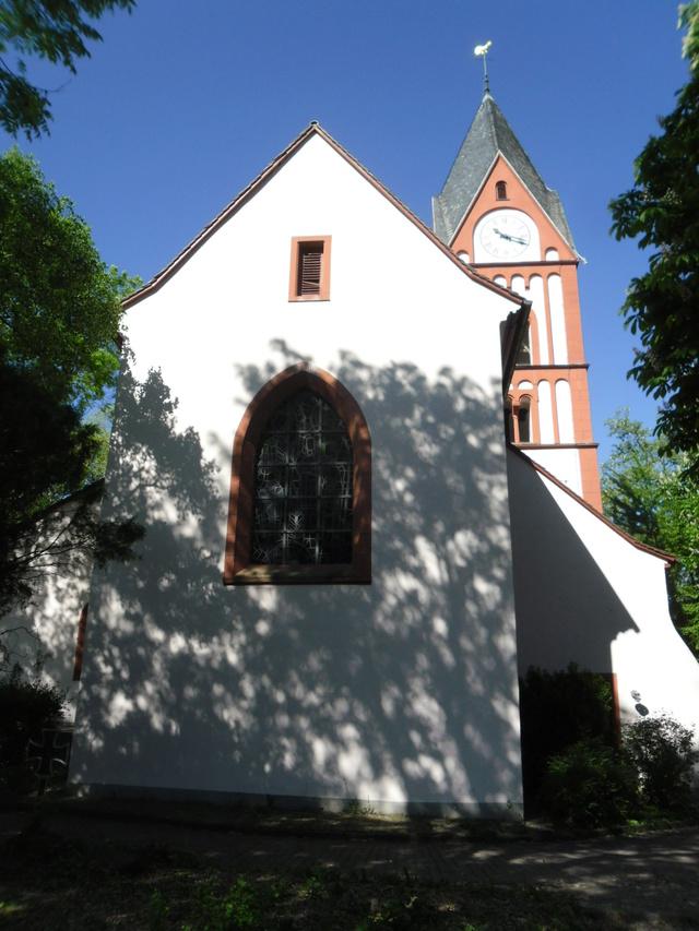 Die evangelische Bergkirche in Osthofen. Sam_8627