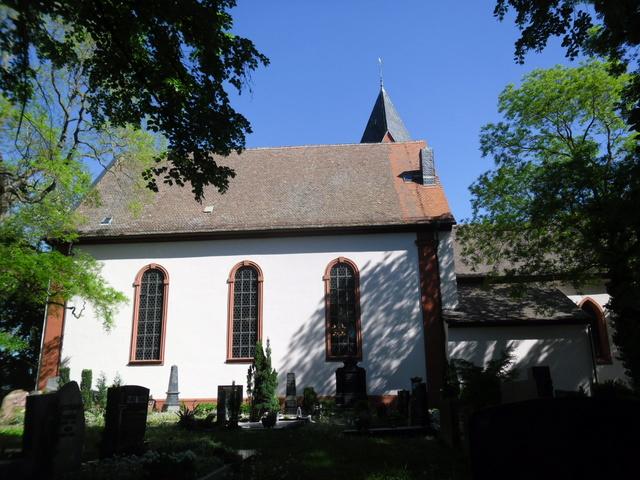 Die evangelische Bergkirche in Osthofen. Sam_8634