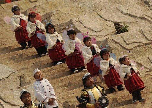 """[Chine] Le zoo humain """"L'Empire des Nains"""" ! Photo_10"""