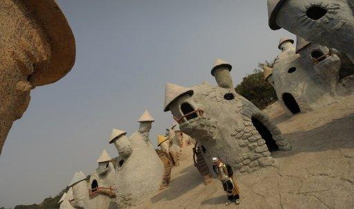 """[Chine] Le zoo humain """"L'Empire des Nains"""" ! Photo_11"""