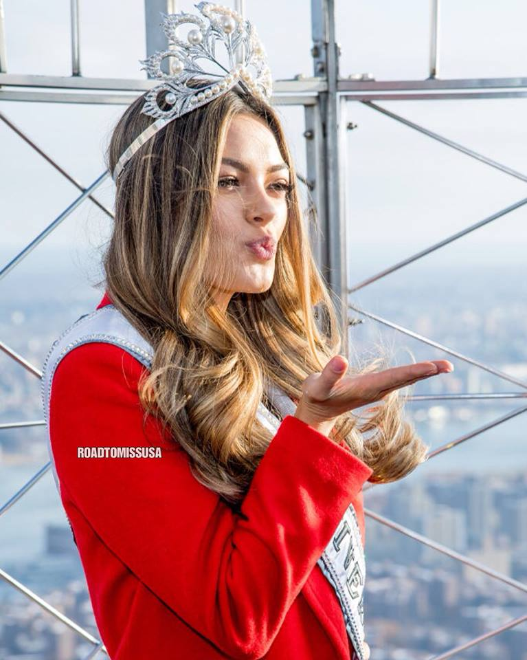 ♔ The Official Thread of MISS UNIVERSE® 2017 Demi-Leigh Nel-Peters of South Africa ♔ - Page 2 24068110