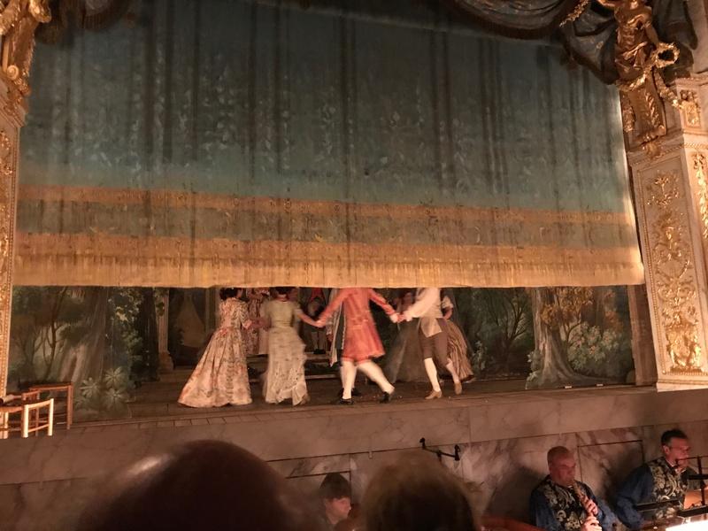 Le Petit Théâtre de Marie-Antoinette à Trianon - Page 4 1-110