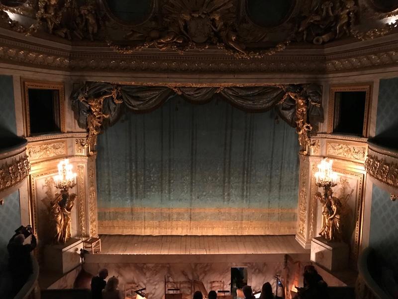 Le Petit Théâtre de Marie-Antoinette à Trianon - Page 4 110