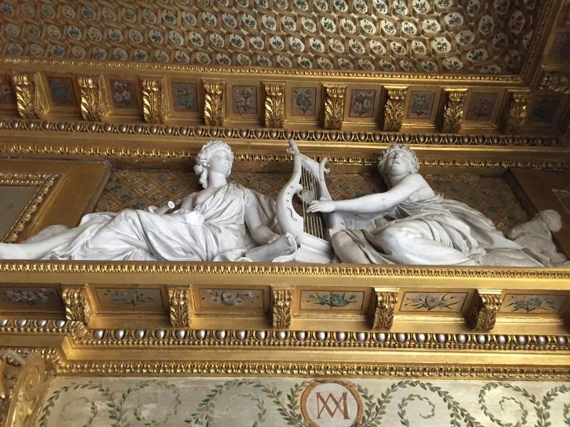 Le boudoir d'argent de Marie-Antoinette au château de Fontainebleau  1111