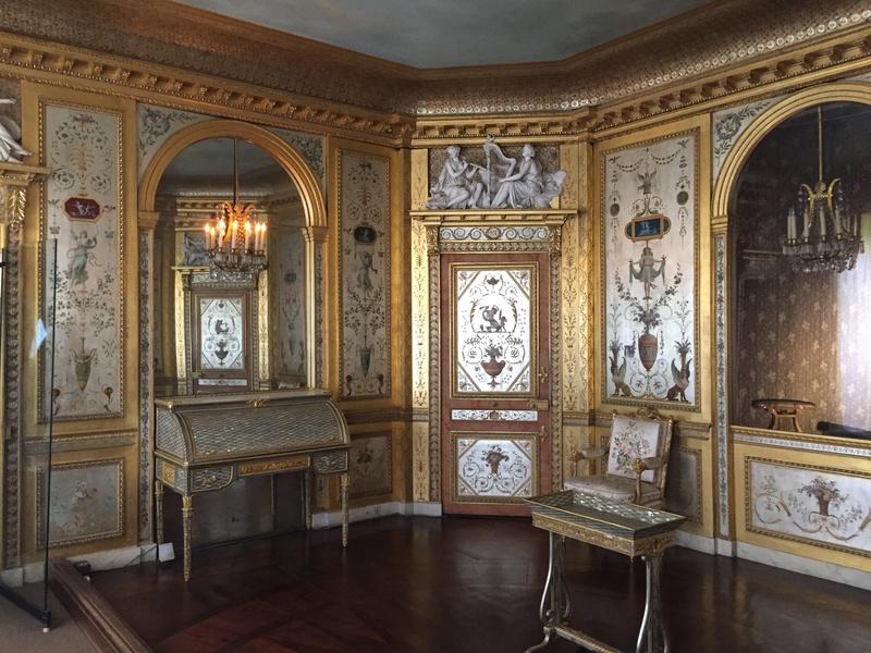 Le boudoir d'argent de Marie-Antoinette au château de Fontainebleau  112