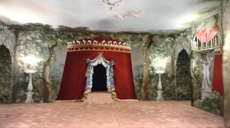 Les maisons de bois pour les bals de Marie-Antoinette  228