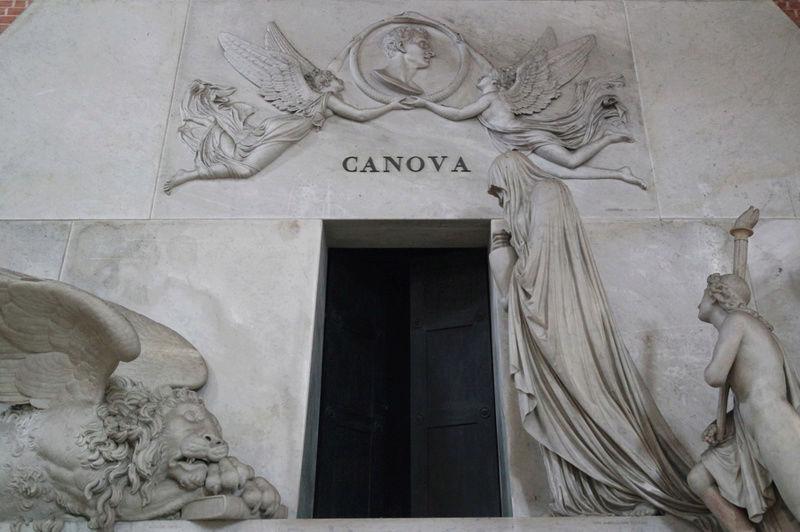 Le monument funéraire d'Antonio Canova (1757-1822) à la basilique des Frari (Venise) Captu116